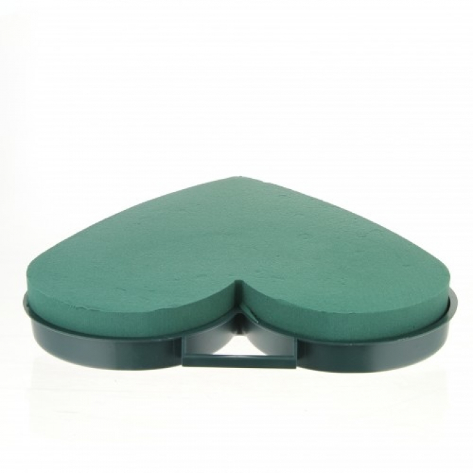 Oasis® Naylorbase heart in two sizes
