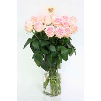 Bouquet light pink Roses large flowered heads